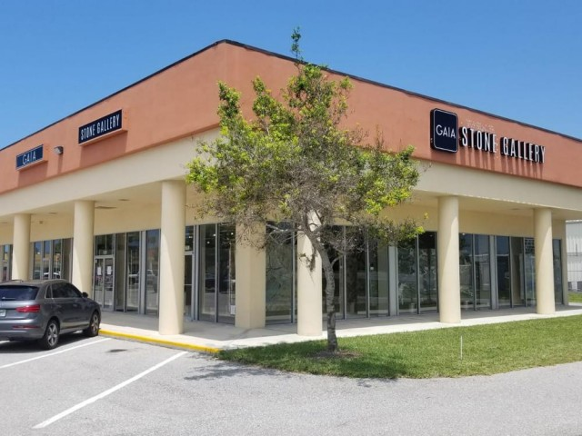 Cabinet services and store in Sarasota
