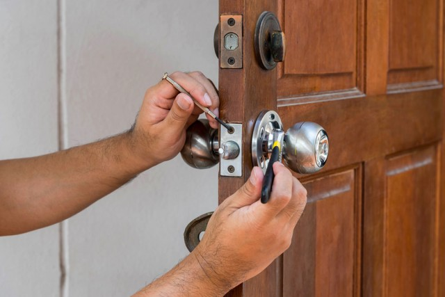 Locksmith Services in Olympia Heights