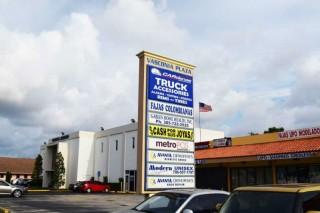 Vasconia Plaza listing of business